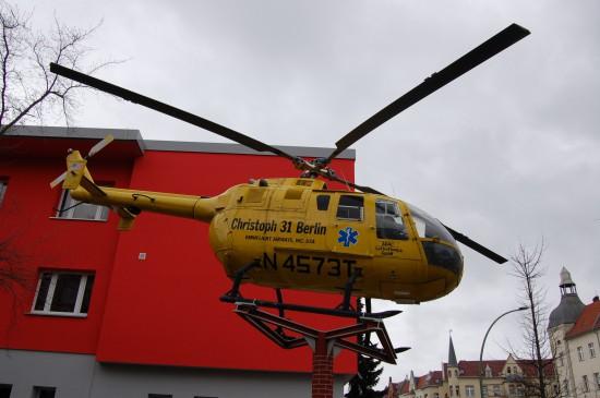 "Vor dem Feuerwehrmuseum in Berlin-Tegel steht das Denkmal des ""Christoph 31 Berlin"""