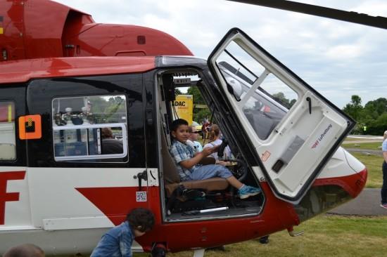 """""""Wenn ich mal groß bin, werde ich Rettungspilot"""", denkt sich sicherlich dieser Junge"""