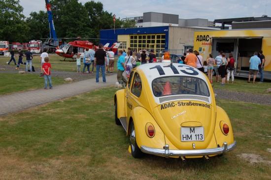 Zu den Exponaten des ADAC gehörte dieser historische VW Käfer als Straßenwacht-Einsatzfahrzeug