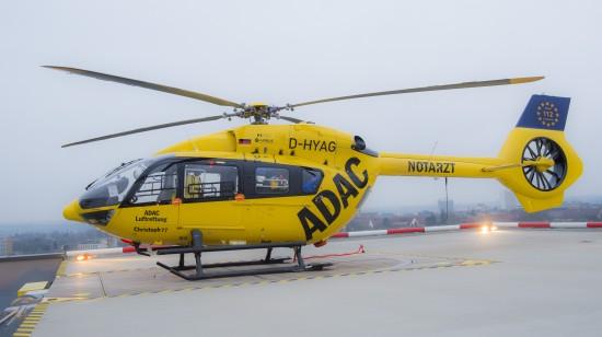 """Anfang 2018 setzten Ulm und Mainz den Schlusspunkt hinter die Modernisierungsmaßnahmen der ADAC Luftrettung (hier die D-HYAG als """"Christoph 77"""" auf dem Dachlandeplatz der UniversitätsMedizin Mainz)"""