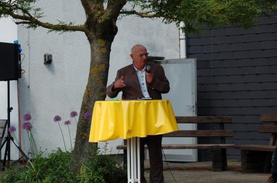 Ehrengast Hans-Werner Feder brachte mit seinen Erinnerungen an den Feldversuch von 1967 und die seinerzeitigen dramatischen Umstände die versammelten Gäste in seinen Bann