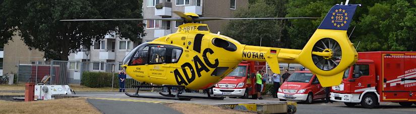 """Heimspiel: Starts und Landungen der beiden Bremer Rettungshelikopter (hier der  RTH """"Christoph 6"""") standen im besonderen Fokus des Interesses der  Besucher des 13. Tages der Sicherheit am LDW, ..."""