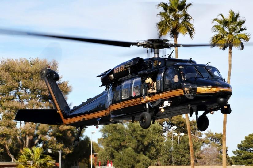 Eine CBP Sikorksy HH-60L bei der Ankunft zur HAI Heli-Expo 2018 in Las Vegas