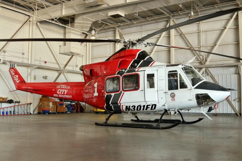 """Im Film """"San Andreas"""" zu sehen, mittlerweile aber außer Dienst: Die Maschinen des Typs Bell 412, hier die ehemalige """"Fire 1"""""""