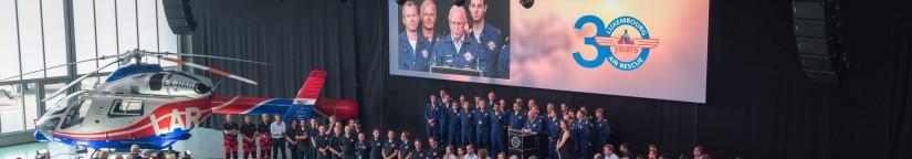 Beeindruckend: LAR-Präsident René Closter und sein LAR-Team präsentierten sich mitsamt Rettungshubschrauber den geladenen Gästen des Festaktes