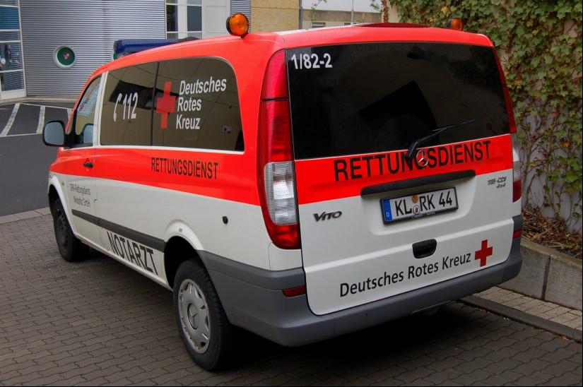 Am Westpfalz-Klinikum Kaiserslautern ist ein Notarzteinsatzfahrzeug (NEF) des Deutschen Roten Kreuzes stationiert (in der Region ist das NEF eher selten zu sehen)