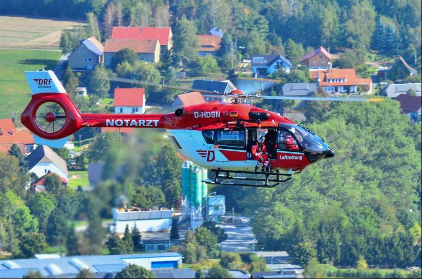 Zum Übungseinsatz kam die hochmoderne H145 mit dem Kenner D-HDSN, die als Standortmaschine in Bautzen eingesetzt wird