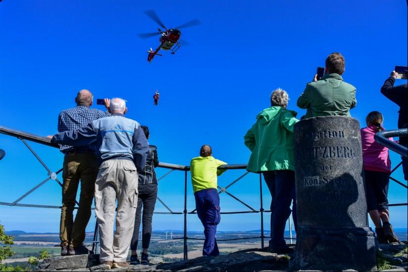 Besucher des Spitzbergs verfolgten das Training mit Interesse
