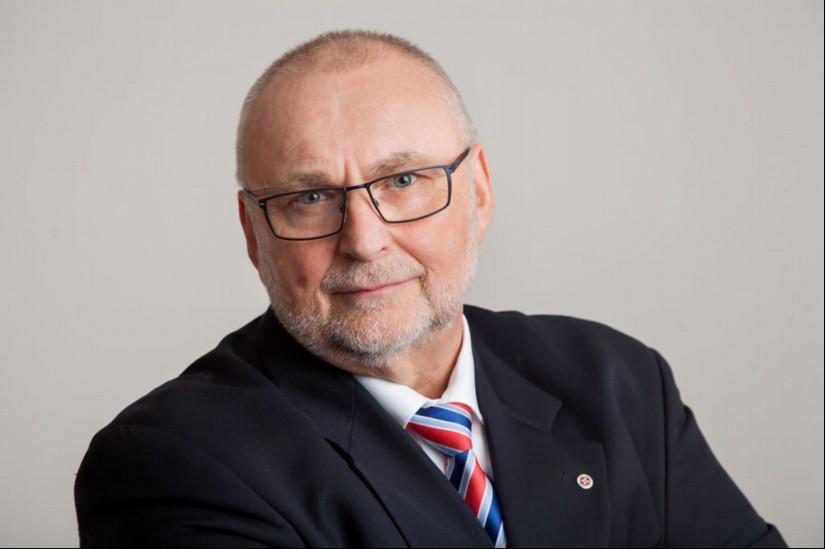 Günther Lohre, CEO der Johanniter Luftrettung