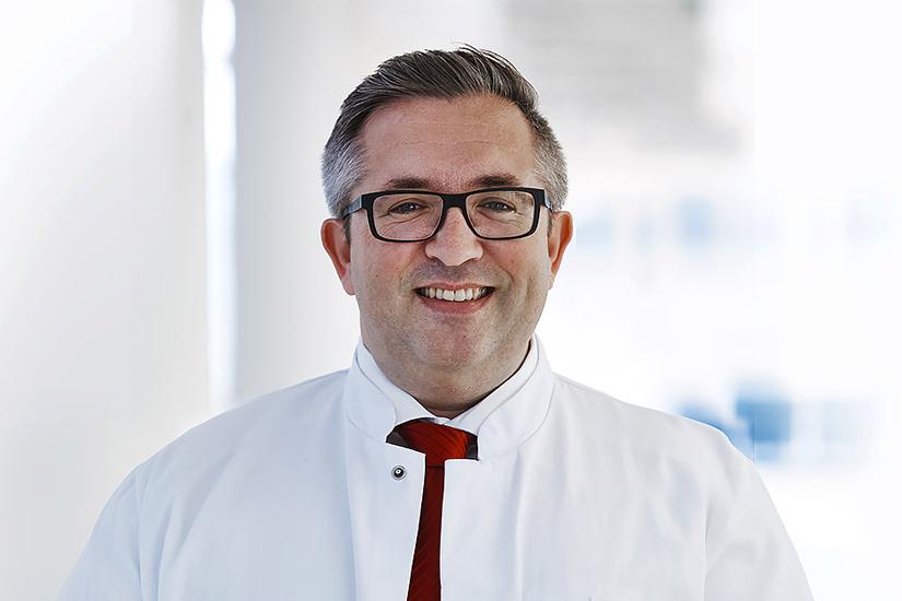 Professor Dr. med. Stefan Hofer, Chefarzt der Klinik für Anästhesie, Intensiv-, Notfallmedizin und Schmerztherapie 1 der Westpfalz-Klinikum GmbH