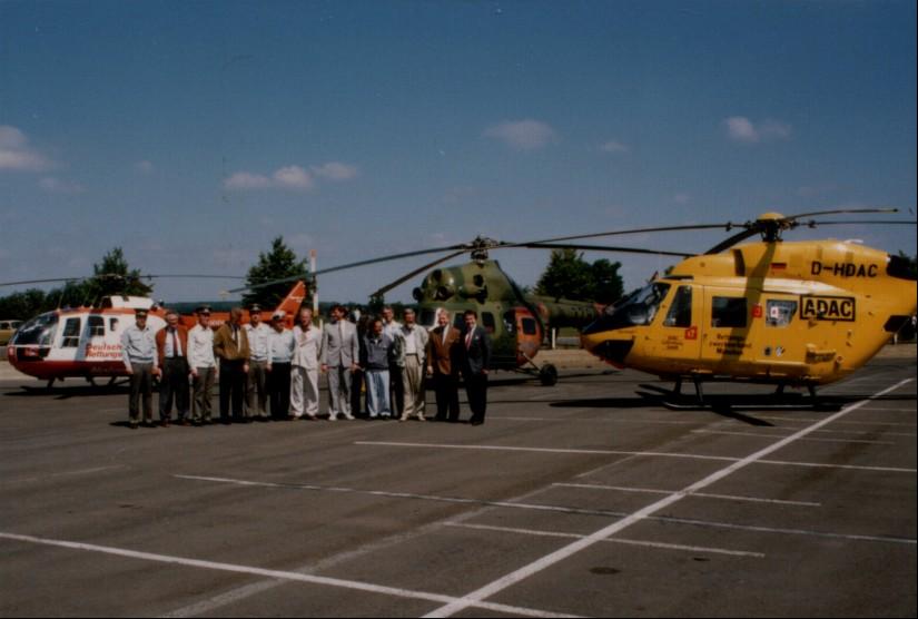 Erstes deutsch-deutsches Luftrettungssymposium in Senftenberg, in dessen Rahmen sich die Verantwortlichen aus Ost und West trafen