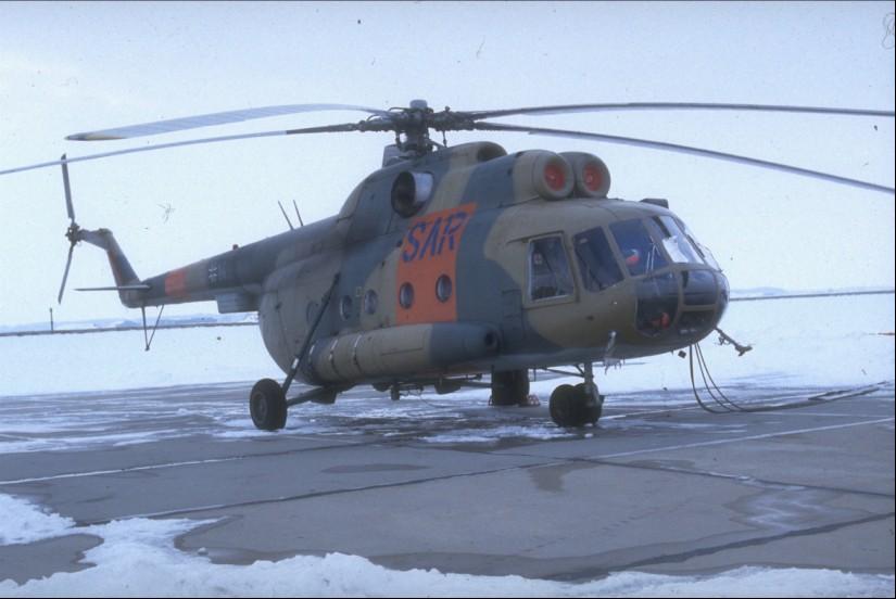 Auch der von der NVA übernommene SAR-Hubschrauber des Musters Mil Mi-8T der Bundeswehr wurde vereinzelt im Rettungsdienst eingesetzt