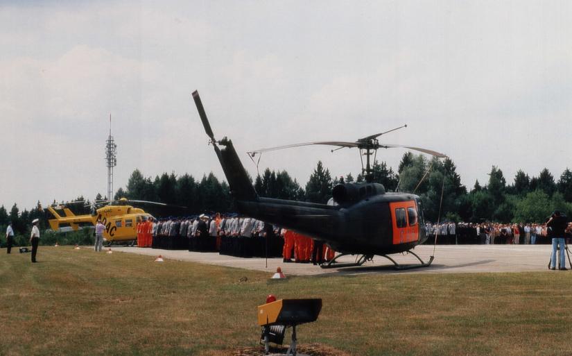 Am 1. April 2003 übernahm die damalige ADAC-Luftrettung GmbH den Flugbetrieb in Ulm mit einer BK 117 (hier eine Aufnahme vom Truppenappell)
