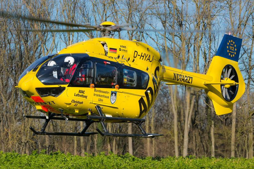 """Heute fliegt in und um Ulm herum eine hochmoderne H145 von Airbus Helicopters (der """"Ulmer Spatz"""" trägt eine einzigartige Beschriiftung)"""