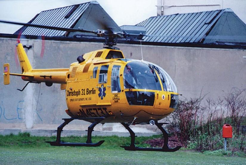 Die Maschine flog anfangs unter der Kennung N4573T; diese befand sich nicht am Heckausleger (wie in Deutschland üblich), sondern im Rumpfbereich seitlich an der Maschine