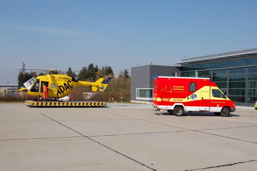 """Nur kurz wurde in Berlin die BK 117 mit dem Kenner D-HBND eingesetzt (hier zu sehen im März 2007 als """"Ulmer Spatz"""")"""