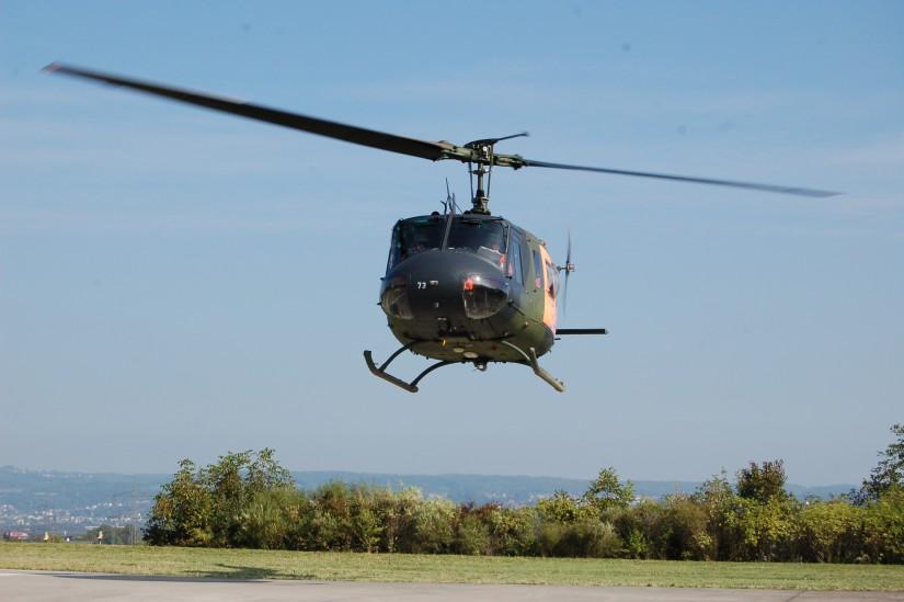 """In Bad Saarow kam die Bell UH-1D der Bundeswehr zum Einsatz (hier eine baugleiche Maschine als """"SAR 41 Nörvenich"""" im September 2013 am Bundeswehr-Zentralkrankenhaus Koblenz)"""