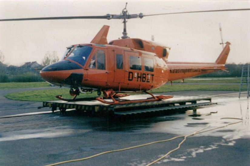 """Ab Anfang 1980 kam in Bremen die größere Bell 212 als ZSH """"Christoph 6"""" zum Einsatz"""