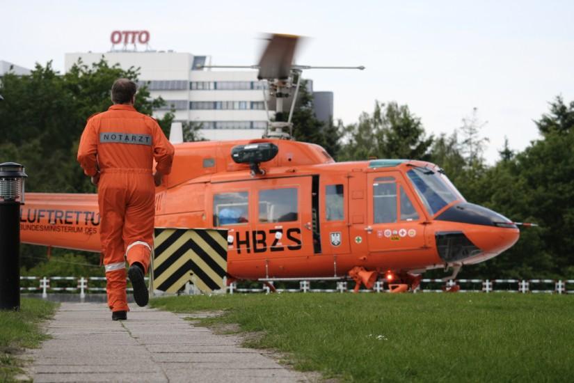 Auch die Bell 212 des Zivilschutzes fungierte in erster Linie als schneller Notarztzubringer