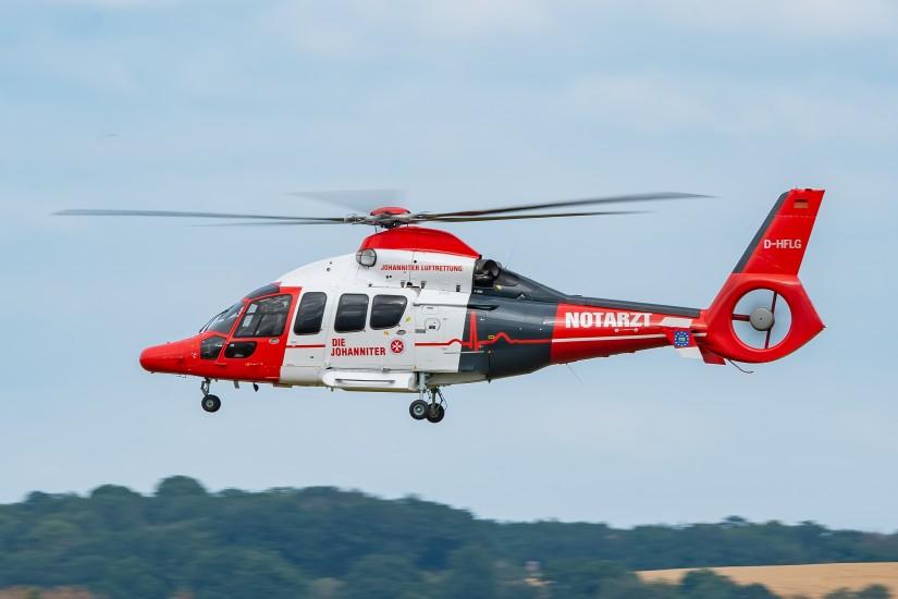 Auch das jüngste Mitglied der Johanniter-Luftrettungsfamilie, die EC 155 B1, trägt das neue Corporate Design der Johanniter Luftrettung