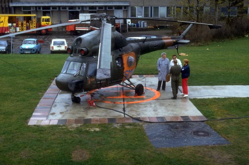 Mit einer Mil Mi-2 der NVA mit SAR-Beklebung fing es im April 1990 in Mecklenburg-Vorpommern an