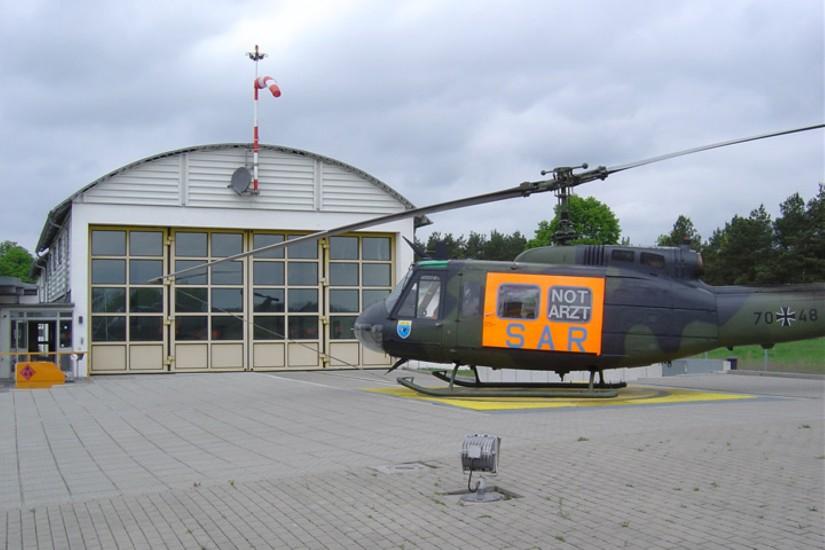 """Die Bundeswehr verlegte ihren """"SAR 93"""" im Jahr 1996 nach Neustrelitz, wo eine moderne Luftrettungsstation entstand"""