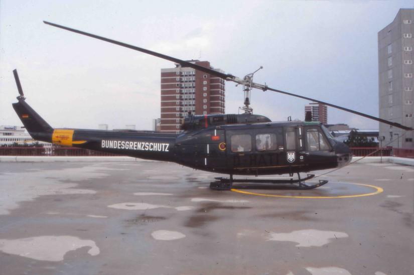 ...wie auch die Bell UH-1D.