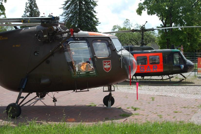 """Bilder vom """"SAR Jever 27"""" sind leider sehr schwer zu finden. Unsere Aufnahme zeigt ersatzweise Bristol Sycamore und Bell UH-1D als Ausstellungsstücke"""