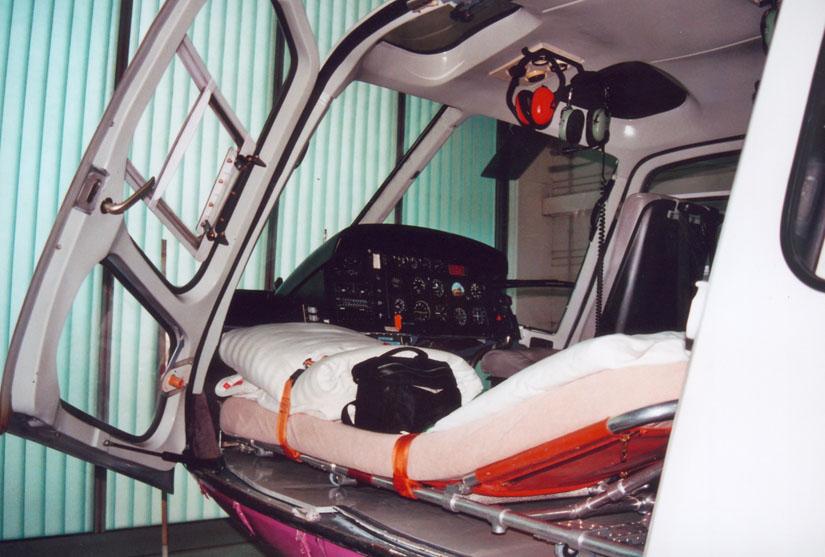 Inneneinrichtung in der Krankentransport-Konfiguration einer deutschen AS 350