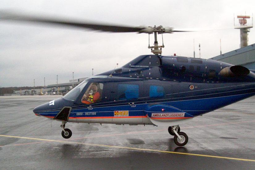 Bell 222 am damaligen Ambulanzflugdienst-Standort Flughafen Münster-Osnabrück bei Greven