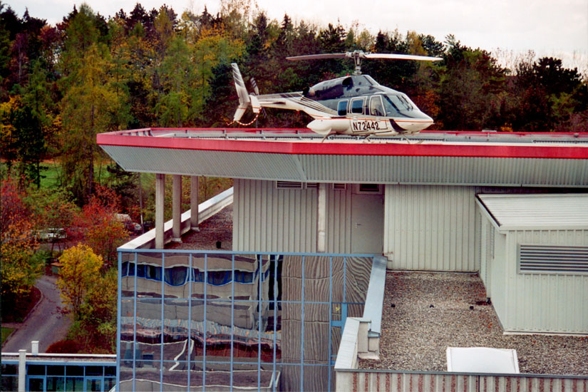 Ersatz aus Amerika: Bell 222 als ITH Hassfurt an der Herz- und Gefäßklinik Bad Neustadt