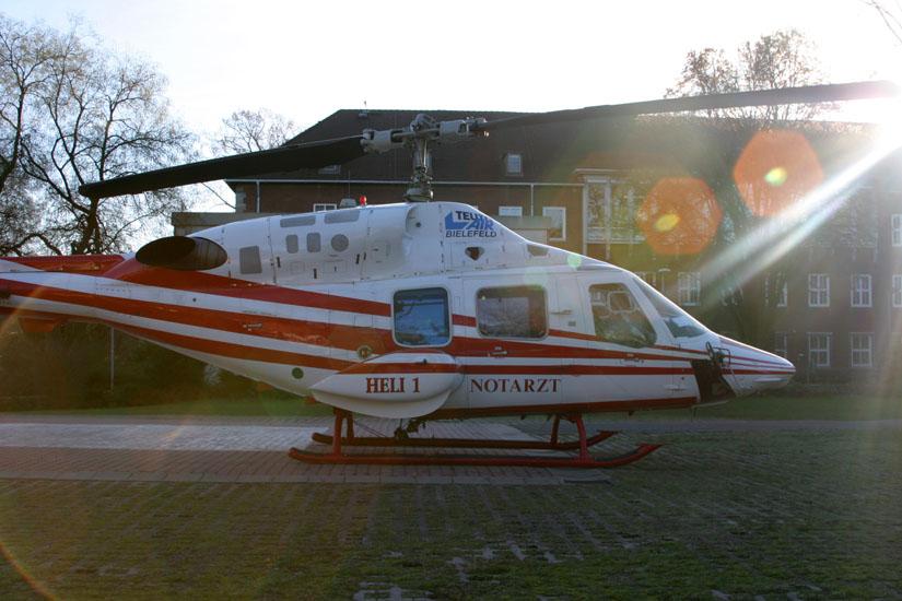 Bell 222, hier im Einsatz an der Uniklinik in Hamburg-Eppendorf