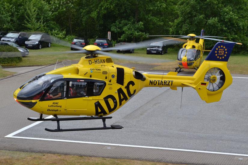 Treffen zweier EC 135 am Luftrettungs-Stützpunkt Uelzen