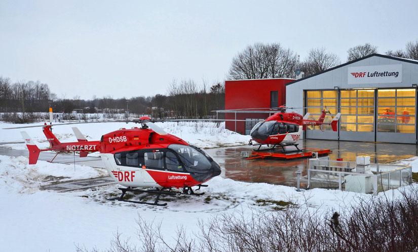"""Eingesetzt als """"Christoph München"""" – eine EC 145 der DRF Luftrettung. Im Hangar wartete zum Aufnahmezeitpunkt mit der H145 bereits die Nachfolgegeneration"""