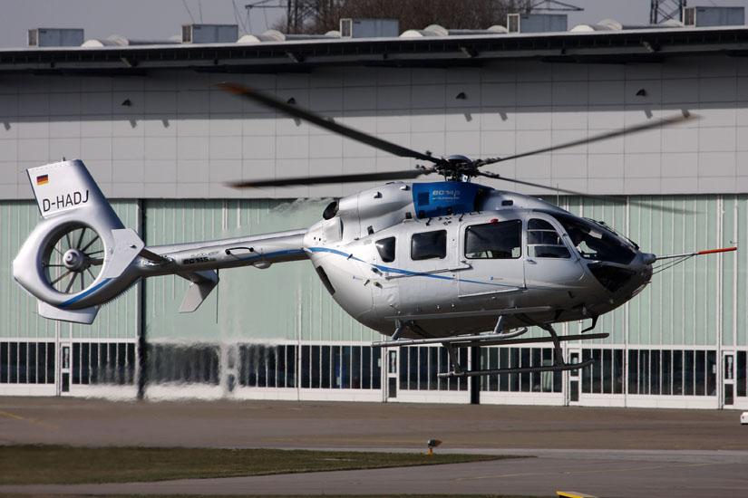 """Erste Testflüge im Jahr 2010 mit der """"D-HADJ"""" am Eurocopter-Werk in Donauwörth"""
