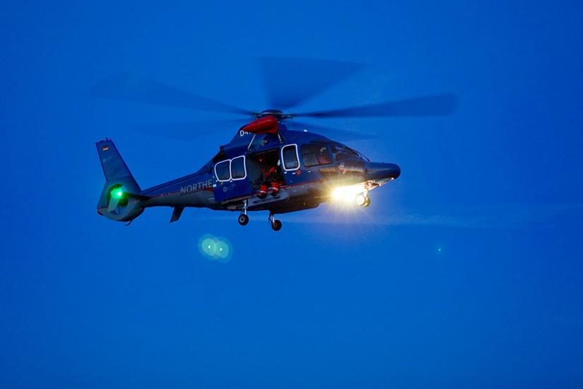 Der Offshore-RTH des Typs H155 bietet hervorragende Einsatzbedingungen für Rettungseinsätze mit der Seilwinde über See