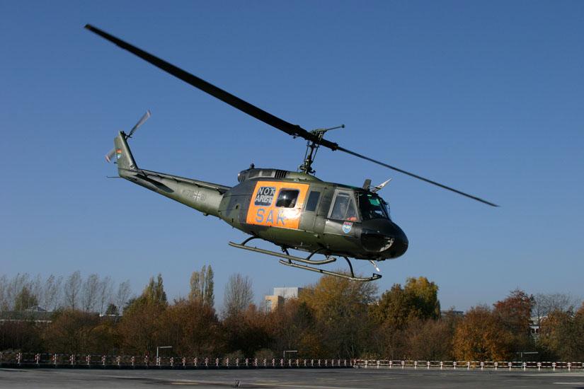 Bell UH-1D als Rettungshubschrauber in Hamburg